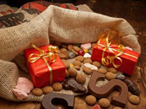 Картинки Новый год Печенье Шоколад Подарки