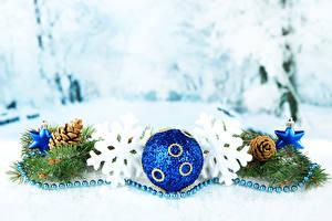 Картинка Праздники Новый год Шар Ветки Шишки