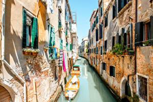 Фото Италия Дома Лодки Венеция Водный канал