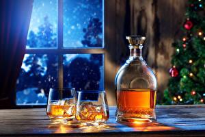 Фото Рождество Виски Рюмка Двое Бутылки Окна Ночь Льда Еда