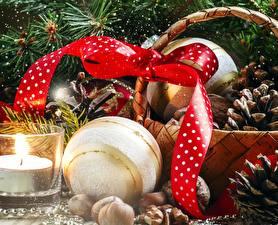 Картинка Новый год Свечи Шар Лента Шишки