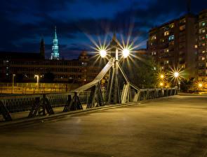 Обои Германия Мосты Здания Ночью Уличные фонари Zwickau город