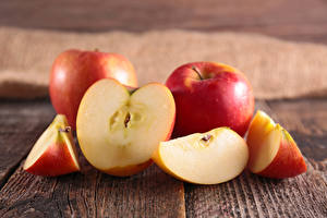 Обои Яблоки Крупным планом Кусок Еда фото