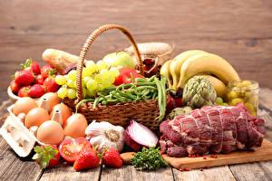 Картинки Натюрморт Мясные продукты Чеснок Фрукты Овощи Бананы Виноград Яиц Пища