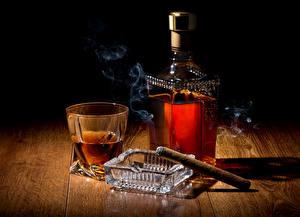 Обои Напитки Виски Рюмки Бутылки Дым Сигара Еда