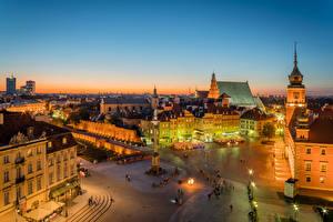 Обои Польша Здания Памятники Варшава Улица Городская площадь Ночь Уличные фонари Города