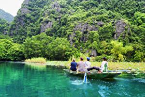 Обои Вьетнам Реки Горы Лодки Деревья Ngo Dong River Природа фото