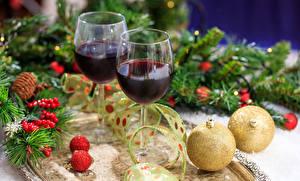 Фотографии Новый год Вино Бокалы Ветвь Шарики 2 Еда
