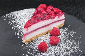 Обои Сладости Пирожное Малина Торты Сахарная пудра Кусок Еда фото