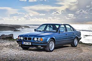 Фотография BMW Берег Голубая 1992-95 540i Автомобили