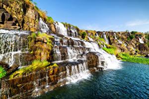 Обои Вьетнам Водопады Скала Pongour waterfall Природа фото