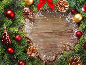 Картинки Праздники Новый год Ветвь Шар Шишки Шаблон поздравительной открытки