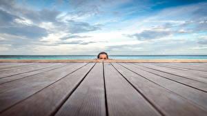 Фотография Море Небо Причалы Доски Взгляд Девушки