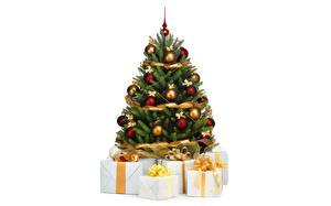 Обои Новый год Праздники Елка Шарики Подарки Белый фон фото
