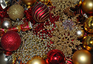 Обои Праздники Новый год Шарики Снежинки фото