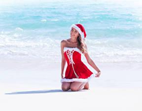 Обои Побережье Новый год Униформа Шапки Платье Девушки фото