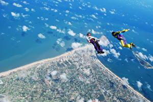 Обои Небо Берег Парашютизм скайдайвинг Сверху Freeflying спортивная