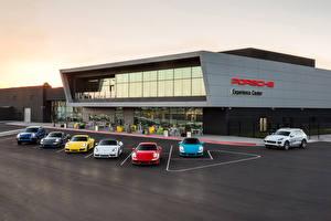 Фотография Porsche Много Припаркованная Автомобили