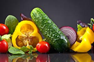 Обои Овощи Огурцы Помидоры Перец Отражение Еда фото