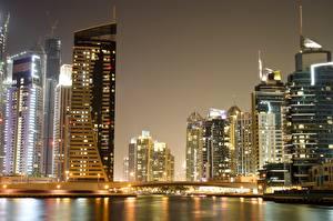 Фотографии Дубай ОАЭ Здания Небоскребы Ночь Города
