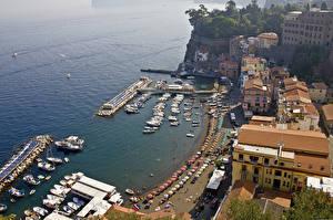 Обои Побережье Дома Море Италия Сорренто Набережная Сверху Города фото
