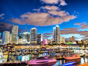 Обои США Дома Причалы Яхта Вечер Майами Облака Города фото