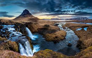 Картинка Исландия Горы Водопады Киркьюфетль гора Облака