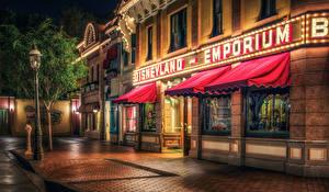 Фото США Диснейленд Парки Здания Калифорния Анахайм Улица Ночные Тротуар Города