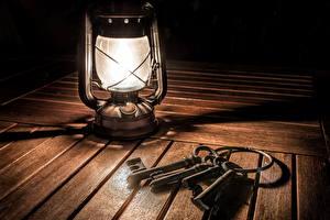 Обои Керосиновая лампа Лампа Доски Замковый ключ фото