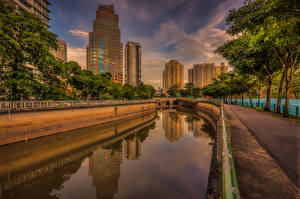 Картинки Сингапур Здания Мосты Водный канал Дерева город