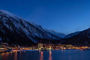 Обои США Горы Дома Реки Аляска Ночь Juneau Города фото