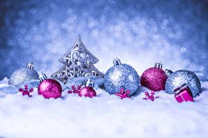 Обои Праздники Новый год Снег Шарики Елка фото