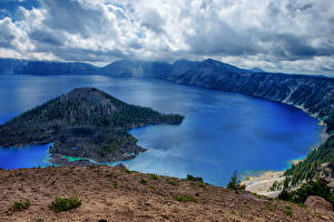 Фото США Парки Озеро Остров Горы Леса Пейзаж Облака Crater Lake national Park Oregon Природа
