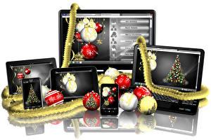 Фотография Новый год Белый фон Ноутбуки Смартфон Шар Отражение Компьютеры