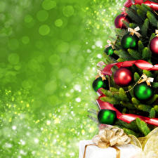 Обои Новый год Елка Шарики Подарки фото