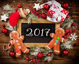 Обои Новый год Праздники Печенье 2017 Подарки Шарики фото