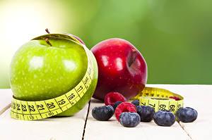 Обои Яблоки Черника Фитнес Измерительная лента Еда
