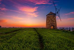 Картинки Шотландия Рассветы и закаты Поля Небо Вечер Мельница St Monans salt mill Природа