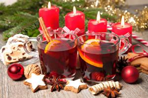 Обои Новый год Напитки Печенье Свечи Бадьян звезда аниса Кружка Шарики