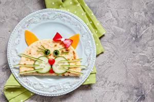 Фотографии Блины Кошки Овощи Тарелка Дизайн Бантик Еда
