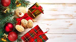 Картинка Мишки Праздники Новый год Шар Подарки Колокольчики Лента Бантик