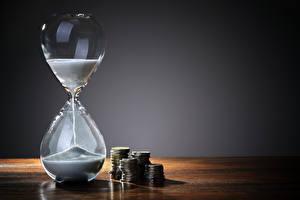 Обои Часы Монеты Песочные часы Песок фото