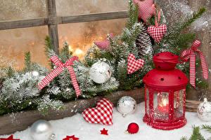 Фотографии Новый год Ветвь Сердце Шар Снег Окно Фонарь