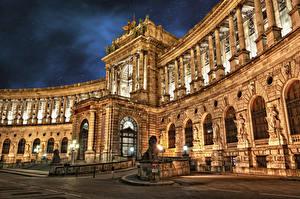 Обои Вена Австрия Скульптуры Дворец Ночь Уличные фонари Imperial Palace Hofburg Города фото