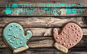 Обои Выпечка Печенье Праздники Новый год Слово - Надпись Английский Доски Варежки  Еда фото
