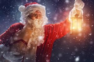 Картинки Новый год Праздники Дед Мороз Борода Очки Фонарь