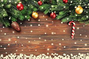 Обои Новый год Ветки Шарики Шишки Снежинки Шаблон поздравительной открытки фото