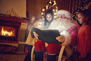 Обои Новый год Дед Мороз Девочки Трое 3 Книга Дети фото