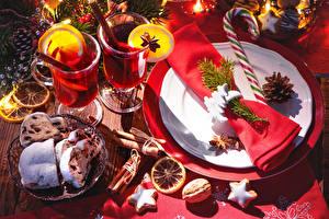 Фото Новый год Праздники Сервировка Напитки Выпечка Печенье Орехи Кекс Тарелка Кружка
