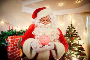 Фотография Новый год Деньги Шапки Дед Мороз Руки Униформа Елка